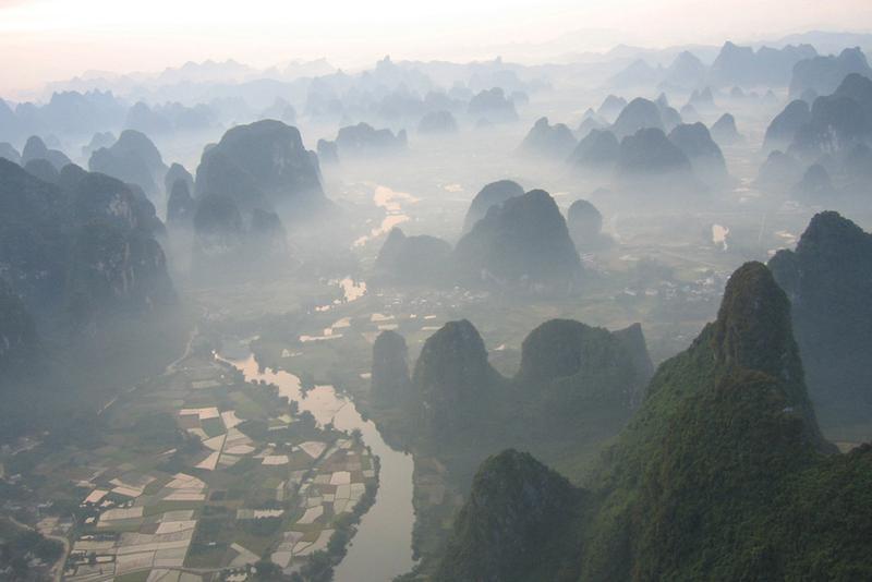 Landwirtschaft im Karstgebiet am Yulong-Fluss im Autonomen Gebiet Guangxi/China