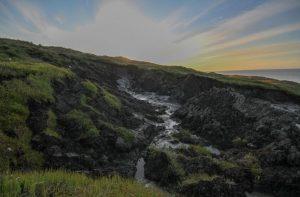 Küstenlandschaft mit Schmelzwasserteichen