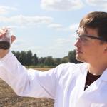 Düngemittel: Neuartiges Verfahren zur Untersuchung von Polymeren in der Umwelt